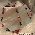 This chain red/black of Neus shop enlarge a closer look