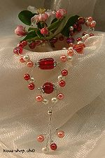 This chain red of Neus shop enlarge a closer look